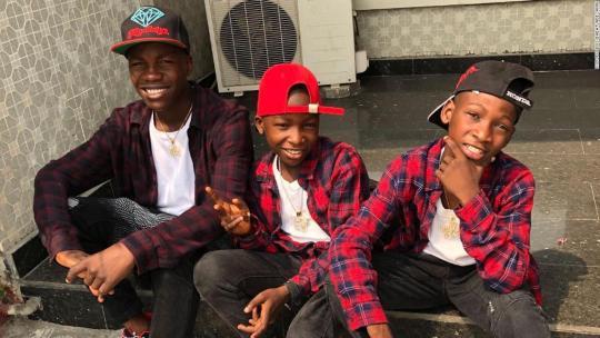 Ces 3 jeunes montrent que le talent est dans les mains et non dans l'outil.